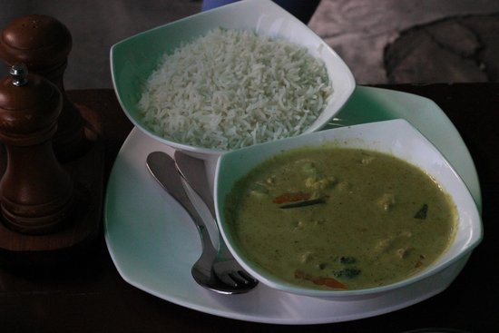 The Lazy Dog: Thai chicken curry n rice