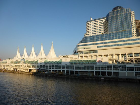 Vancouver Downtown: Canada Place, Vancouver Waterfront