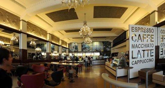 McDonalds Porto : Salle principale