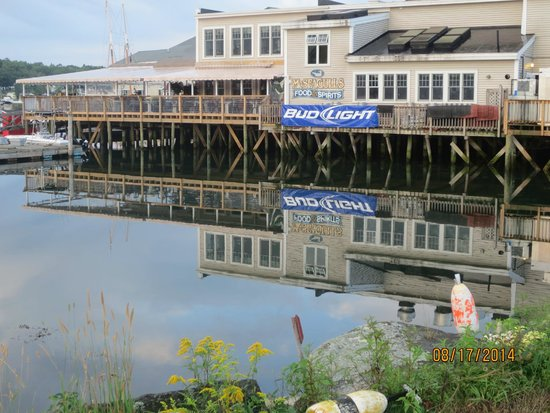 McSeagull's: waterfront dining