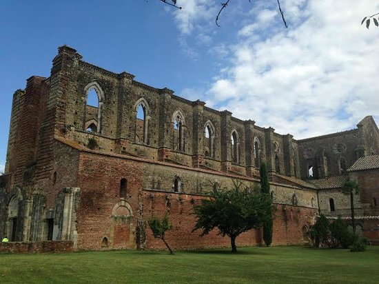 Abbazia di San Galgano: Profilo dell'abbazia