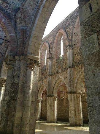 Abbazia di San Galgano: Interno