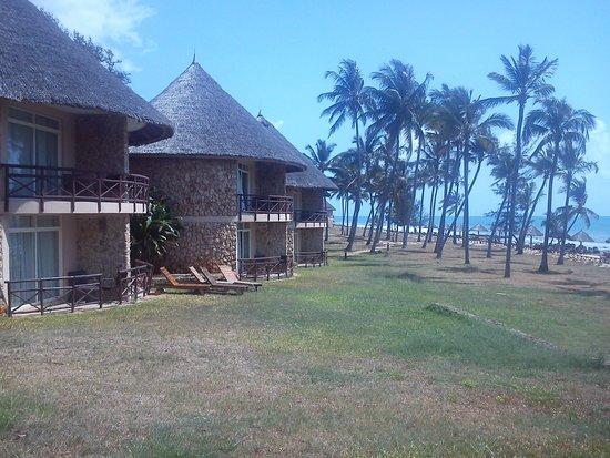 Ledger Plaza Bahari Beach Hotel: Every room has a sea view!