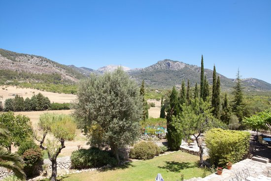 Son Ametler: View of the Tramuntana mountains