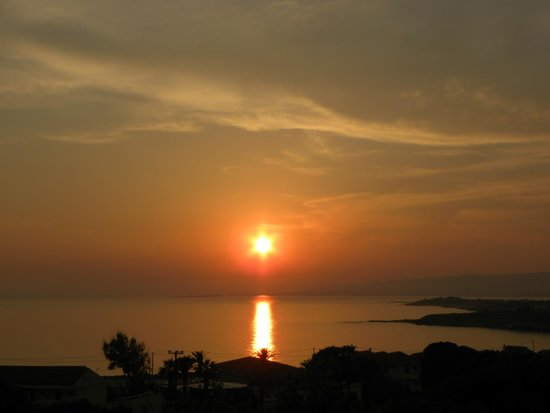 Irinna Hotel: Sunset view