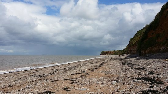 St Audries Bay Holiday Club : Day of beach combing