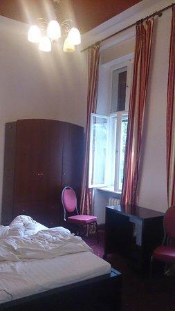 Kima Hotel: Værelse med dobbeltseng