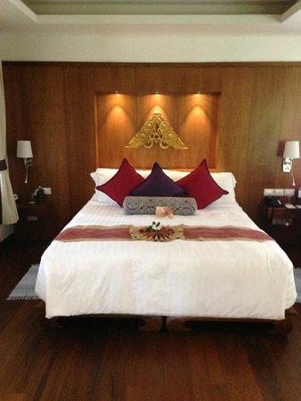Santiburi Beach Resort & Spa: Schlafbereich in der River Villa