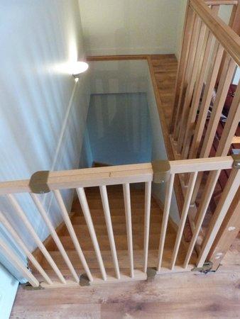 Domaine de Vadancourt : escalier de la chambre sur 2 étages