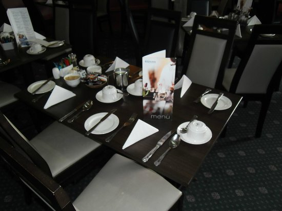 Bay Torbay Hotel: Dining Table.