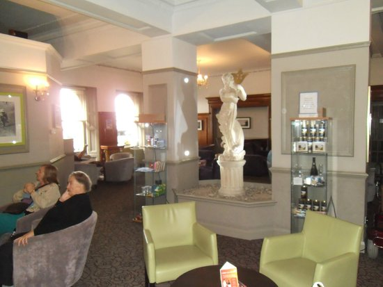 Bay Torbay Hotel: The Lounge under Flash photo