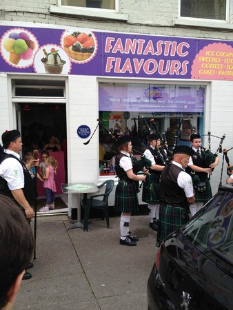 Fantastic Flavours Ice Cream Parlour: 1st Anniversary Celebration with Youghal Pipe Band