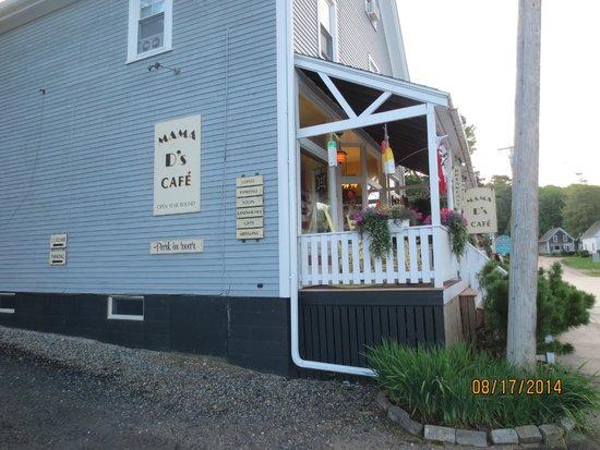Mama D's Cafe Mercantile: exterior