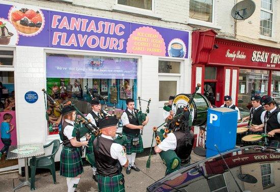 Fantastic Flavours Ice Cream Parlour: Fantastic Flavours Ice Cream Shop Anniversary Celebration