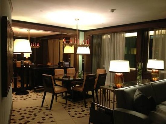 45 Park Lane - Dorchester Collection: гостинная