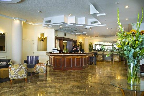 Deborah Hotel: Hotel Lobby