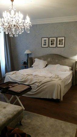 New Hotel Roblin La Madeleine: La chambre. Spectaculaire