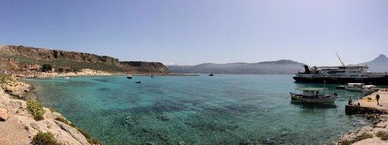 Cretan Daily Cruises : Beach at fort.