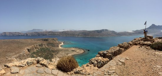 Cretan Daily Cruises : The beach from the fort.