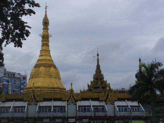 Sule Pagoda: 外観 ①