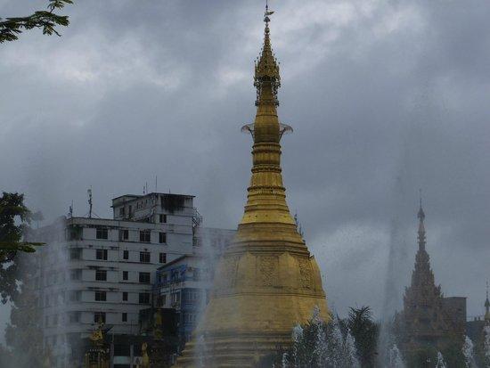 Sule Pagoda: 外観 ②