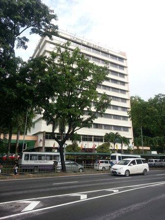 Hotel Shangri-La Kota Kinabalu : 外観