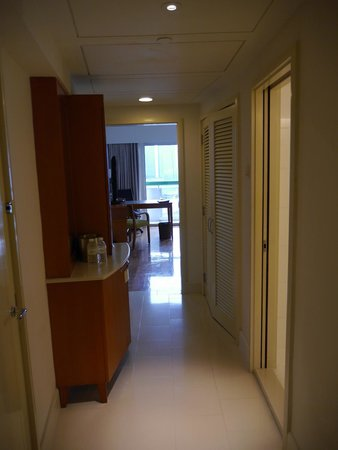 Fairmont Singapore: Entrance to Executive Club room