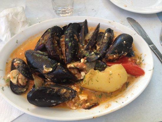 Taverna Knossos: Moules à la tomate et feta