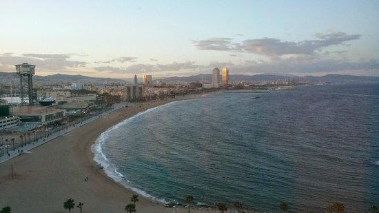 W Barcelona: vista dall'ascensore
