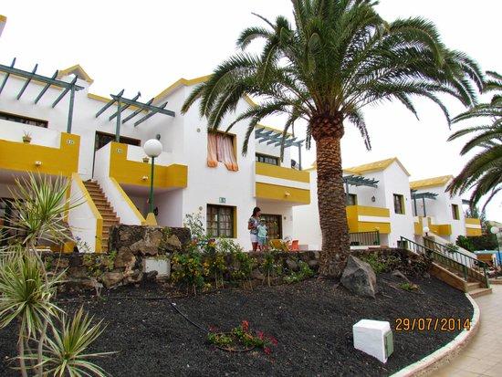 Labranda Corralejo Village : Widok na apartamenty.