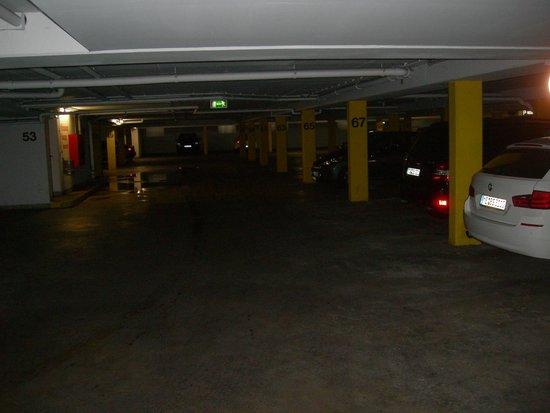 Welcome Hotel Residenzschloss Bamberg: il garage interrato...