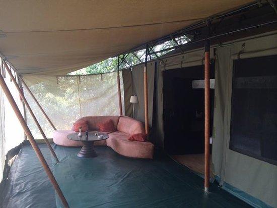 Ngerende Island Lodge: camp