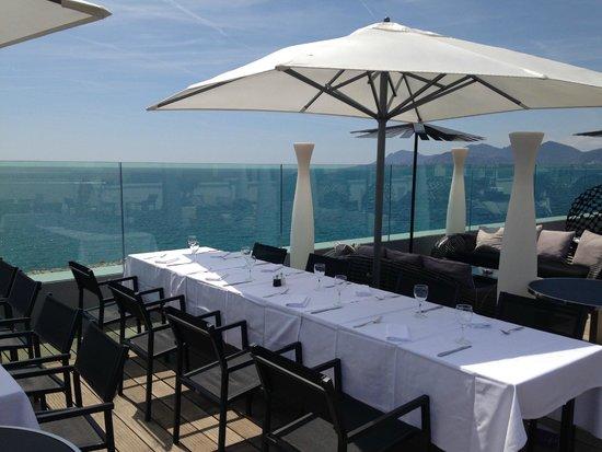 Radisson Blu 1835 Hotel & Thalasso : restaurant rooftop