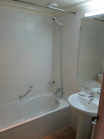Tildi Hotel & SPA: salle de bain propre