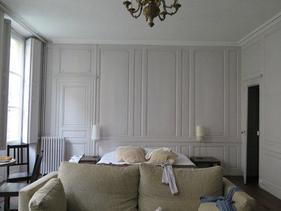 zimmer 4 personen - photo de une chambre en ville, bordeaux