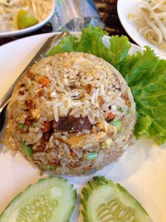 Ao Nang Boat Noodle: Fried Rice Crispy Pork
