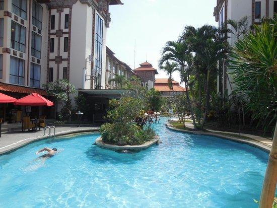 Sanur Paradise Plaza Hotel: Hotel swimming pool