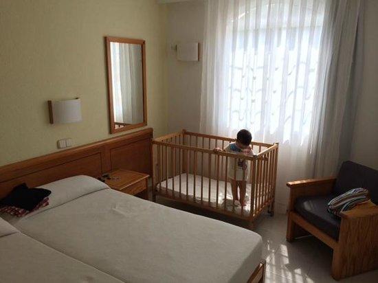 ILUNION Menorca : Habitación