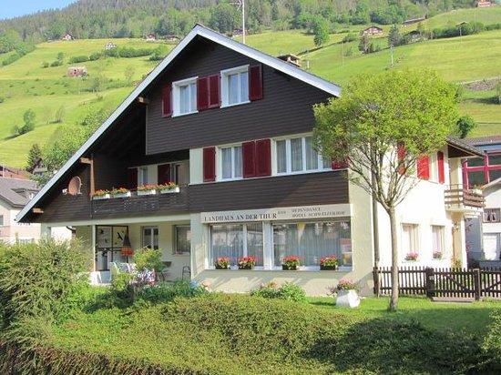 Hotel Schweizerhof: Landhaus an der Thur