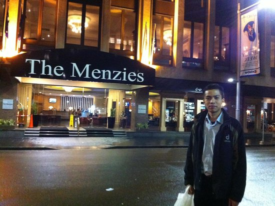 The Menzies Sydney: In front of Menzies