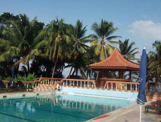 Golden Star Beach Hotel: Pool