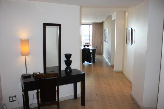 Mandela Rhodes Place Hotel: Entrance