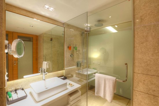 Grand by GRT Hotels : Bathroom