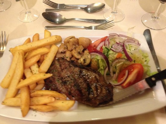 The Cathedral Hotel: Delicious steak