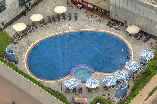 Marina View Hotel Apartments: Swimming Pool