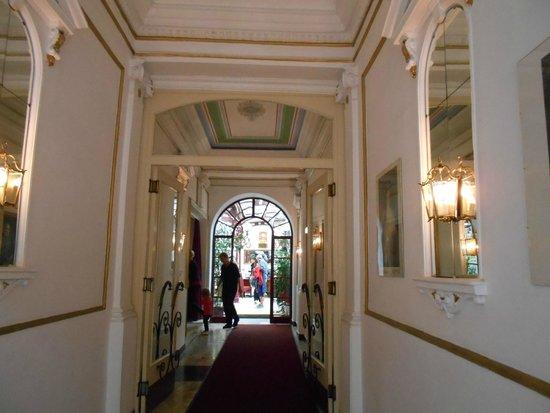Altwienerhof: l'atrio di ingresso