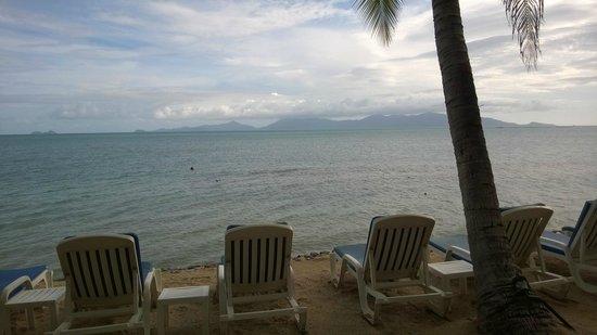 Paradise Beach Resort: Beach and Koh Phangan