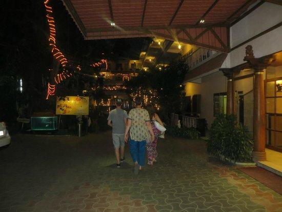 Hotel Mamalla Heritage : Entrance next to reception
