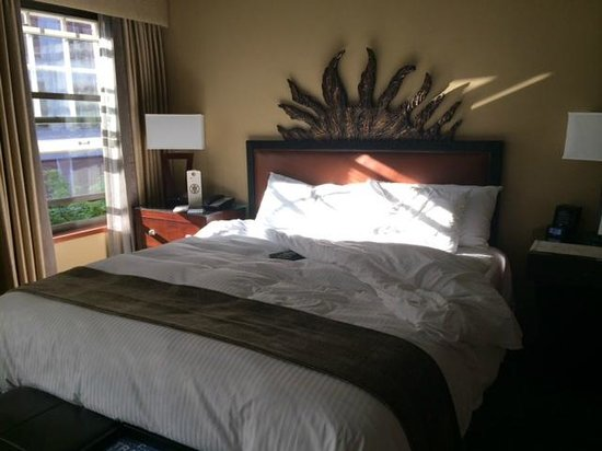 The Heathman Hotel: King Size Bed