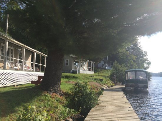 Tornado's Canadian Resorts: Cottage #7